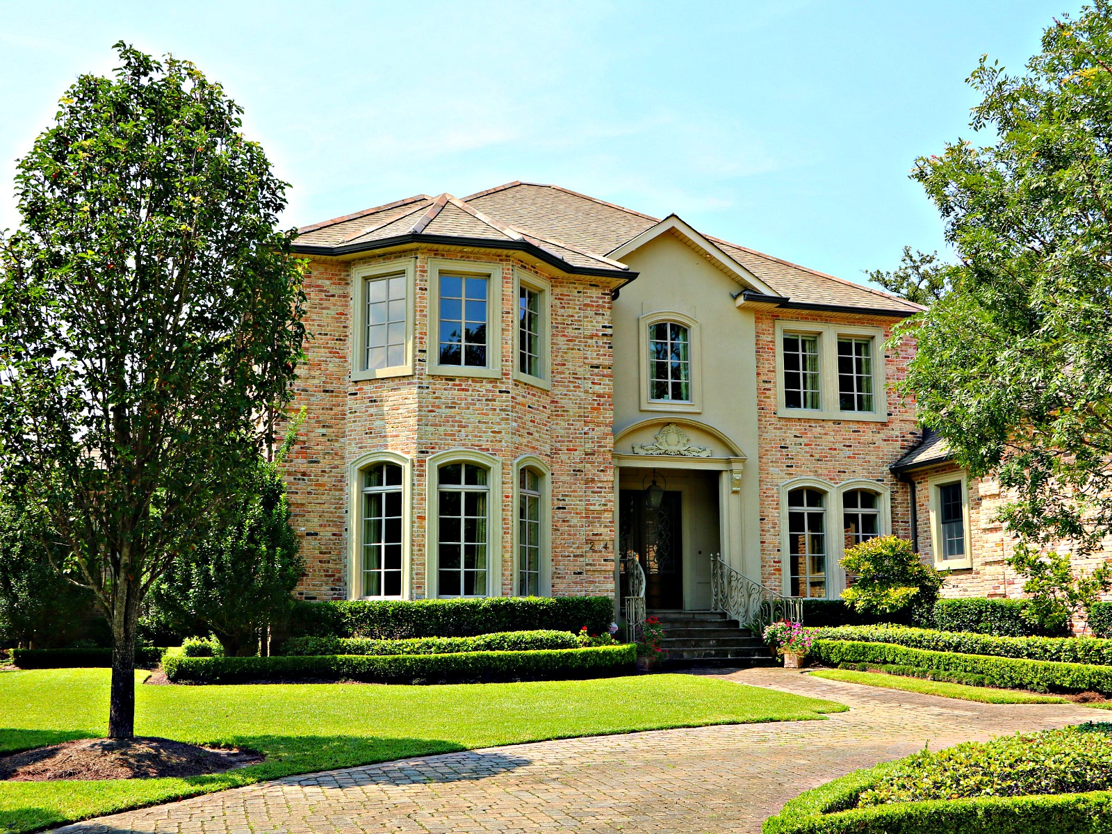 Newer Homes are all over Old Metairie