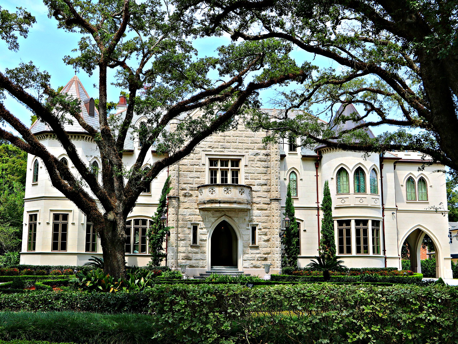 Old Metairie Luxury Mansions