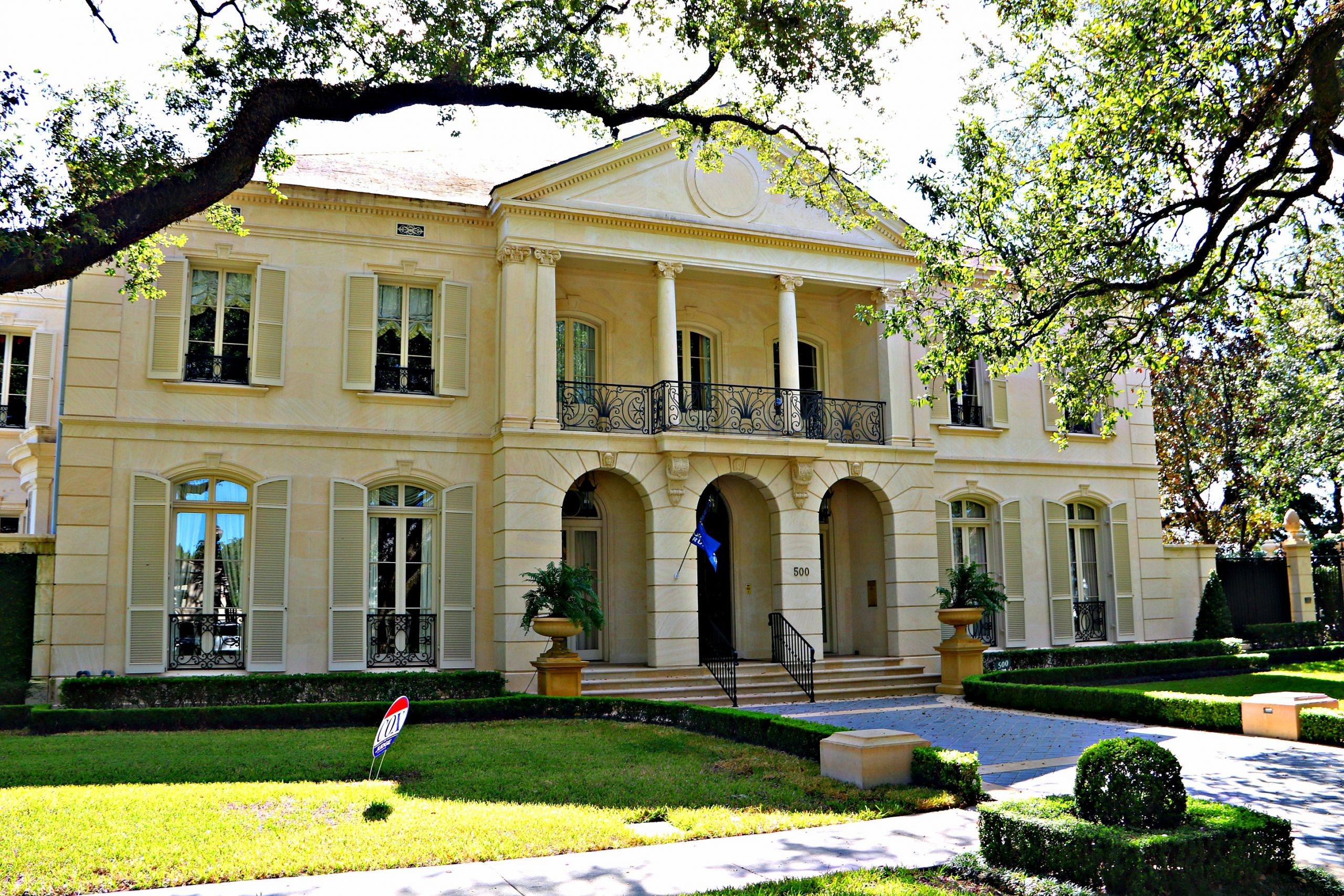 Ole Metairie Homes and Mansions